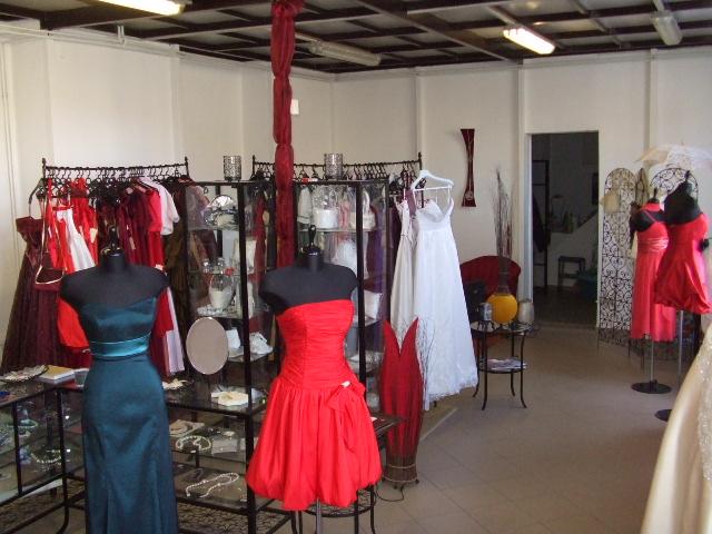 c1a68d1982 Viola Esküvői és Alkalmi Ruhaszalon – esküvői ruházat, alkalmi ...
